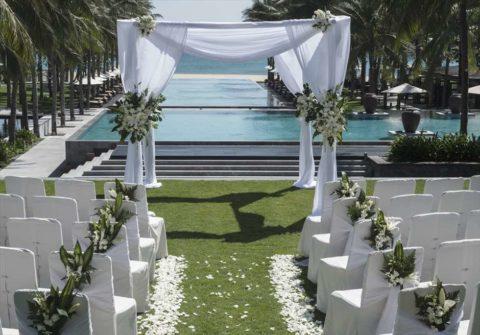 ベトナムウェディング ベトナム・ダナン挙式&結婚式 フォーシーズン・リゾート・ナムハイ ガーデンウェディング