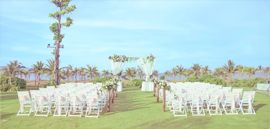 Natural Wedding at Ariyana Garden