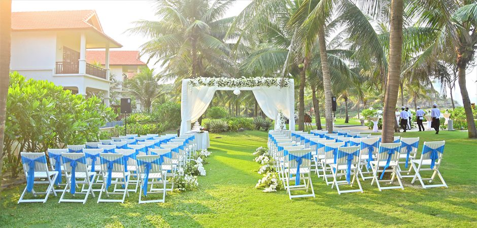 Fresh Wedding at Diamond Villa Garden