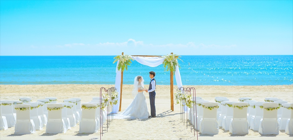 White & Blue Wedding at Naman Beach