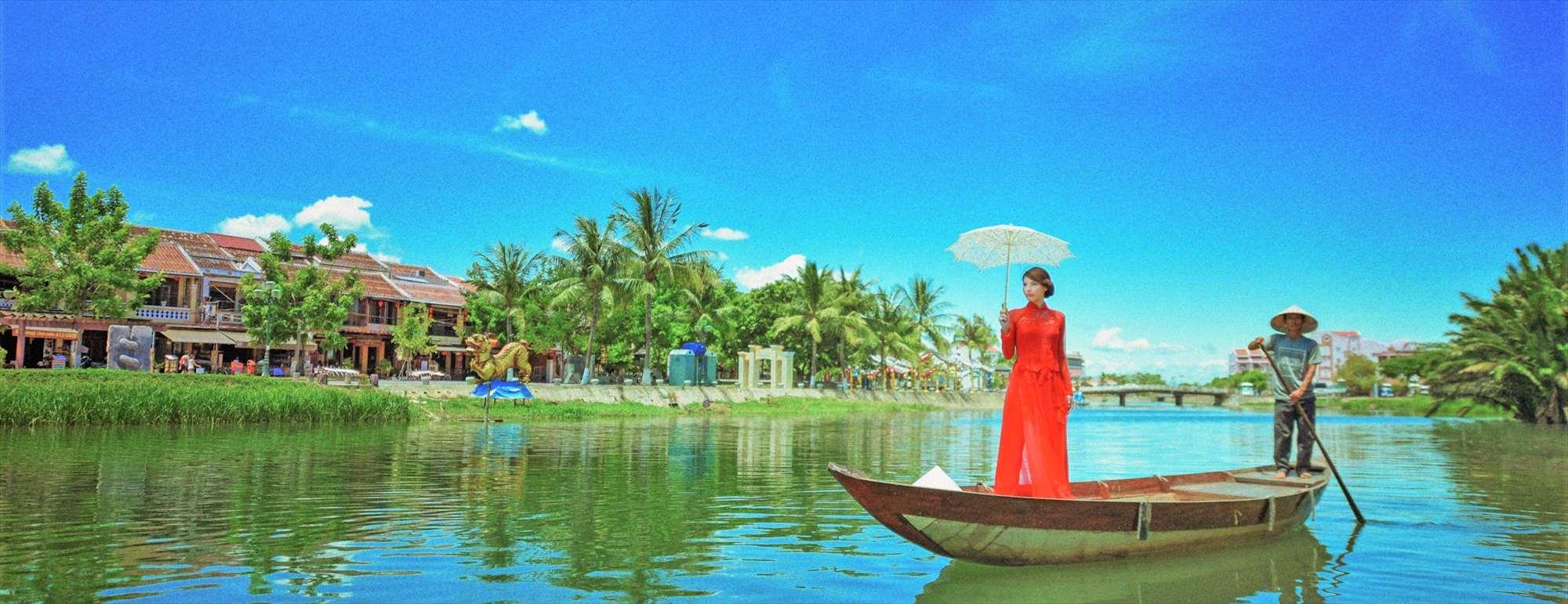 ベトナム・ホイアン・フォトウェディング<br /> Hoi An River Photo Wedding Ao Dai<br /> ホイアン・リバー アオザイ