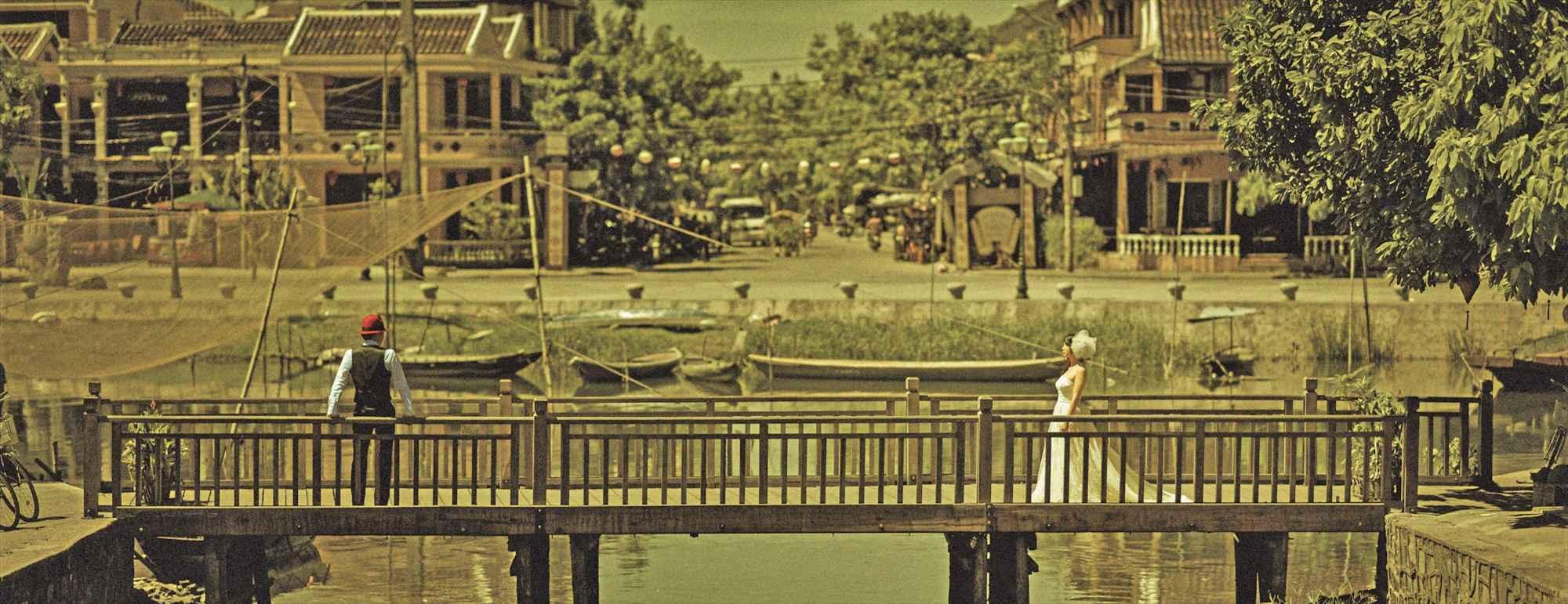 ベトナム・ホイアン・フォトウェディング<br /> Hoi An River Photo Wedding Dress<br /> ホイアン・リバー ウェディングドレス
