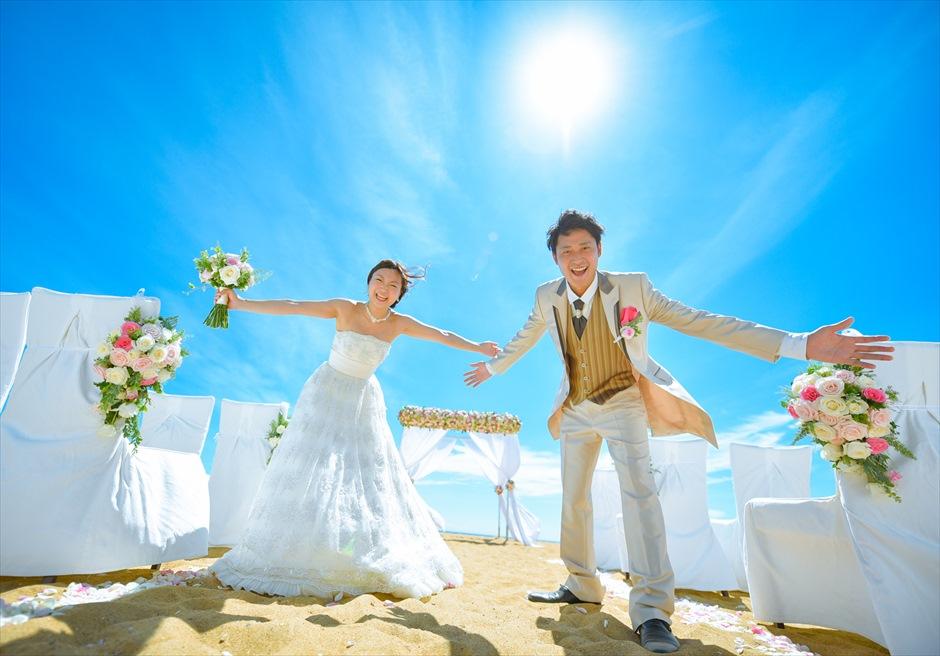 アンサナ・ラン・コー<br /> クラシック・アンサナビーチ挙式<br /> ビーチでの挙式後撮影