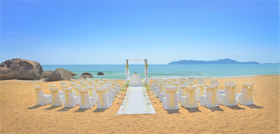 Sense of Romance Wedding at Banyan Beach