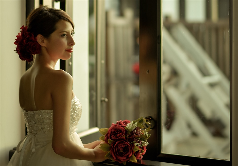 インターコンチネンタル・ダナン<br /> エキゾチックな窓の外の景色を眺める