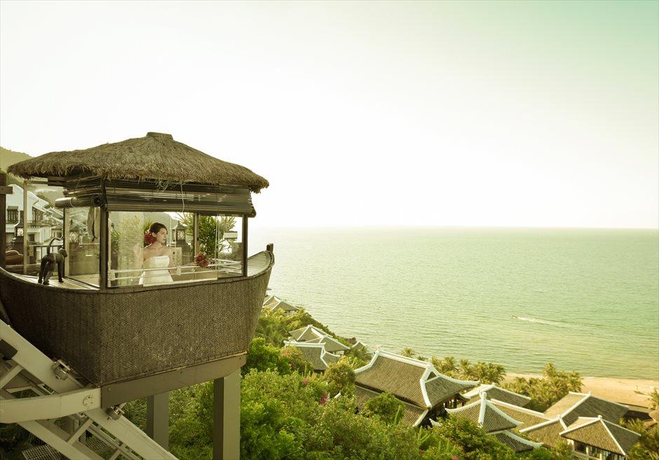 インターコンチネンタル・ダナン<br /> ゴンドラより海を眺める