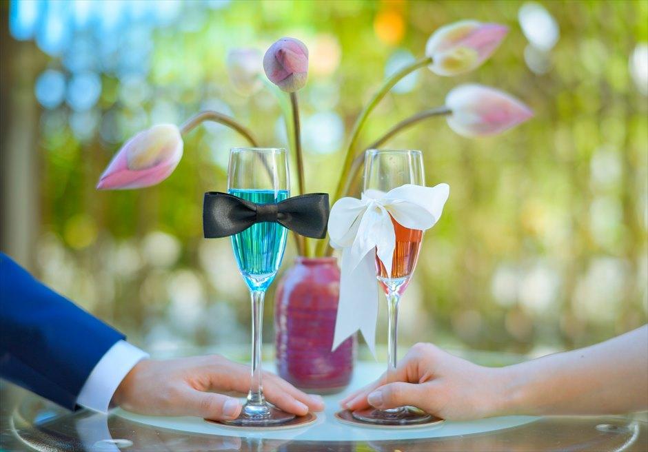 乾杯シーン<br /> プールサイド・ガーデンパーティー<br /> (ホテル・ロイヤル・ホイアン・Mギャラリー)