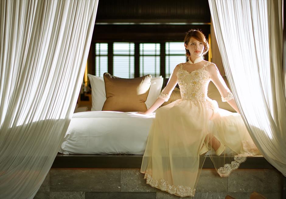 フォーシーズンズ・ナム・ハイ<br /> お泊りのヴィラ・ベッドルームにて<br /> 挙式前撮り撮影
