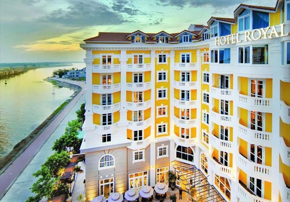 ベトナムの伝統あるホテルウェディング