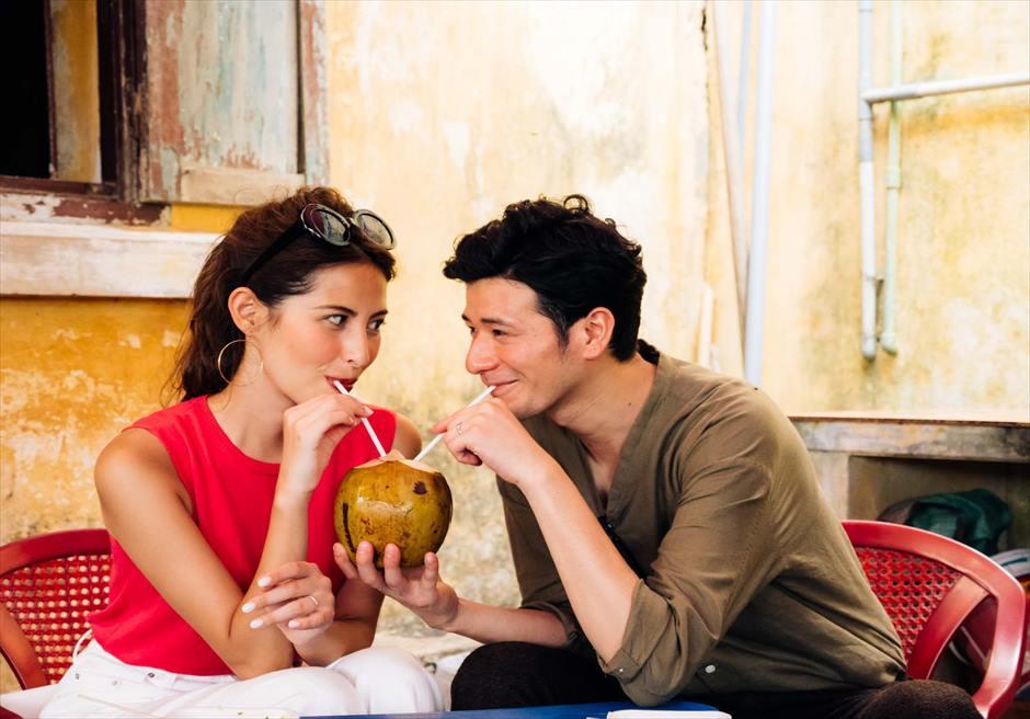 世界遺産ホイアン<br /> 露店で売られるココナッツジュース