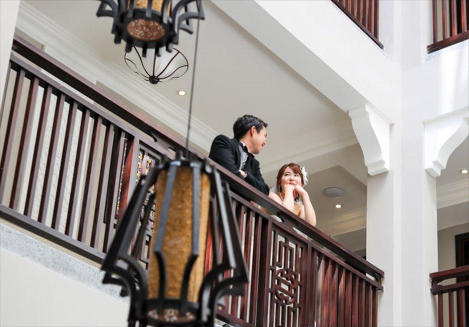 アレグロ・ホイアン・ホテル&スパ<br /> ホテル内回廊にてフォトウェディング