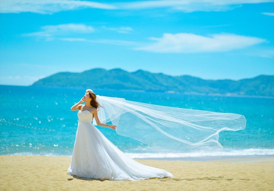 アンサナ・ランコー<br /> 美しい白砂のビーチでのフォトウェディング