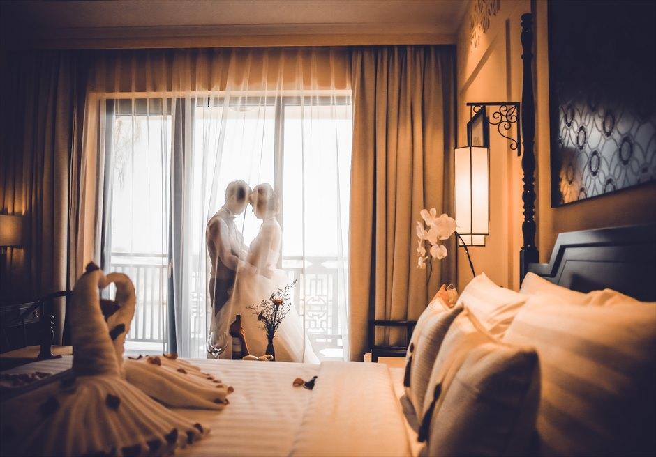 リトル・リバーサイド・ホイアン<br /> お泊りのお部屋にて<br /> 幻想的な挙式前撮り撮影
