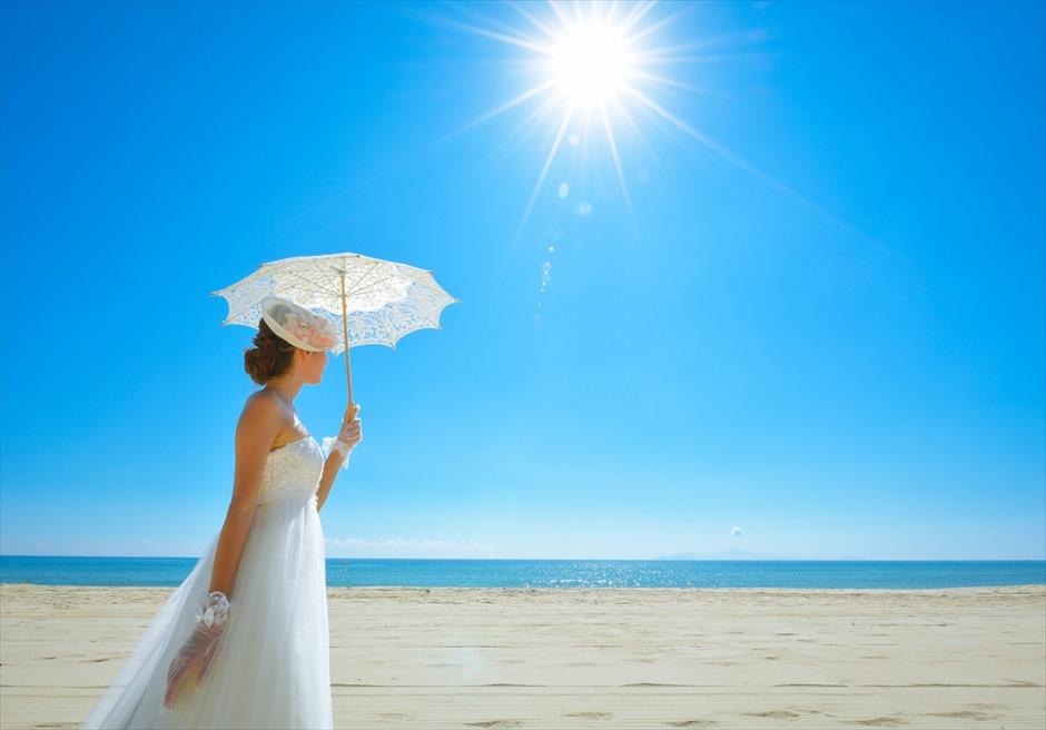 ナマン・リトリート・ダナン<br /> フォトウェディング<br /> 美しい白砂ビーチにて