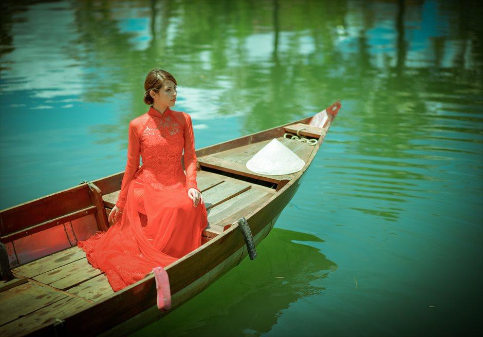 世界遺産ホイ・アン<br /> ホイアンリバー・小舟でのショット