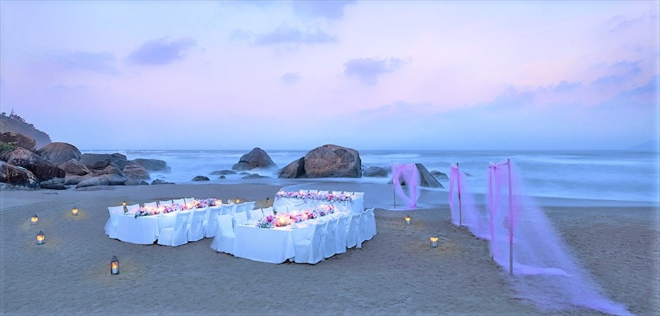 Banyan Tree Lang Co Say I Do at Banyan Beach