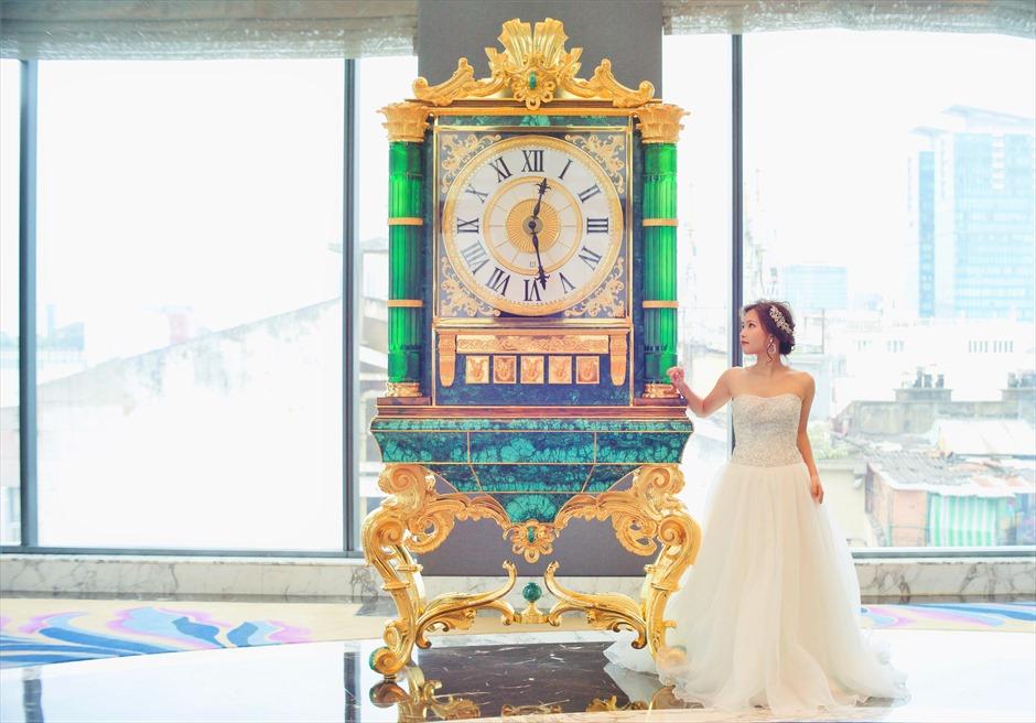 ザ・レヴェリーサイゴン<br /> 孔雀石で造られた時計台