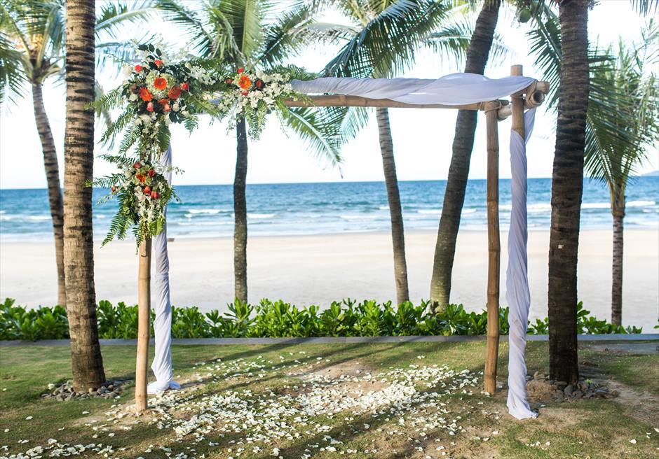 ベトナムウェディング ダナン結婚式 ナマン・リトリート・ダナン ベトナム・ガーデン挙式